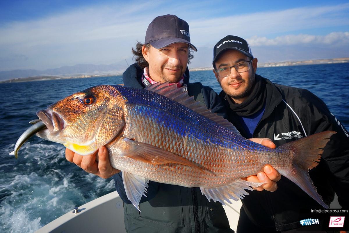 2017. Quedada equipo el pez rosa. Estreno de la Crazy Sand Eel 180 en compa??a de Juan Franco y Edu Soriano